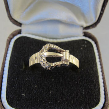 Victorian 9ct Gold Buckle Ring, Antique Yellow Gold Love Token Wedding Band Ring, British 9K 375 Hallmarked Promise Commitment Ring, Size 6