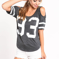 COLD SHOULDER SPORTS JERSEY TOP