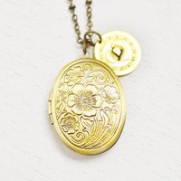 flower locket jewelry,oval locket,bridesmaid,friendship locket,graduation gift,personalized locket,custom initial necklace,anniversary gift