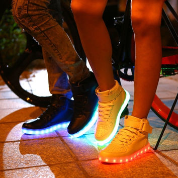 Fashion Lovers Sneaker Casual Men Women Colorful LED Lights Shoes High-top Shoes USB Charging Shoes (Black,White,Silver)