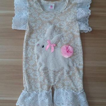 Hot Newborn Outfits Easter Rompers Girls Clothes Infant Cotton Jumpsuit Baby  Girls Bunny Pattern Beige Boutique c6b6ff955