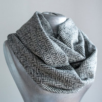 Handmade Herringbone Infinity Scarf - Thick Cotton - White Gray - Winter Autumn Scarf Unisex Men Women