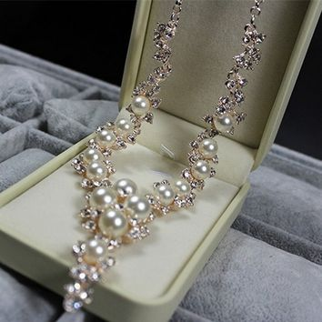 Crystal Handmade Pearl Charms Pendant Necklace