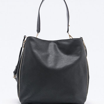 Deena & Ozzy Side Zip Tote Bag in Black - Urban Outfitters