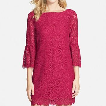 Women's Cynthia Steffe Scalloped Lace Shift Dress,