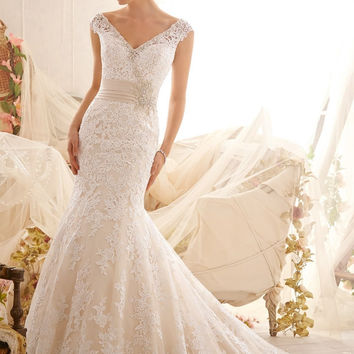 Mori Lee 2608 Lace V back wedding gown, Ivory Size 16