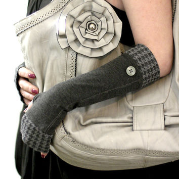 Soft grey with vintage pattern and old green buttons fingerless stretch gloves