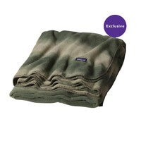 Patagonia Full Print Synchilla® Fleece Blanket – Special | Hand Dipped: Camp Green