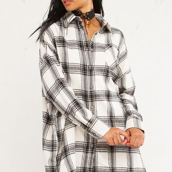 INTO THE WOODS OVERSIZE PLAID TOP - What's New
