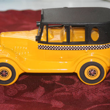 Vintage 1926 Checker Cab Avon Decanter,Vintage Wild Country Aftershave Full Bottle