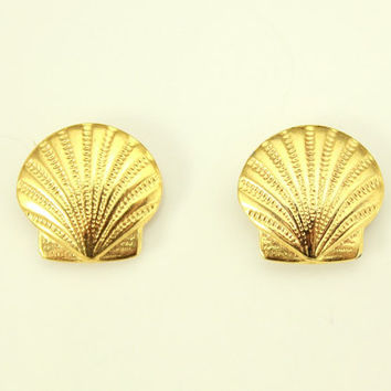 13 mm Scallop Shell Gold Plated Magnetic Earrings