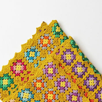 Vintage Granny Square Afghan with Scalloped Edges - Vintage Throw