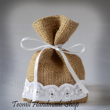 Wedding Favor Bag, Burlap Gift Bag, Rustic Candy Bag- SET OF 25