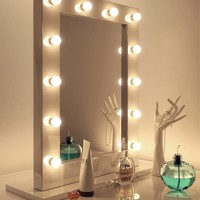 Diamond X Gloss White Hollywood Makeup Mirror Dimmable LED k113WW