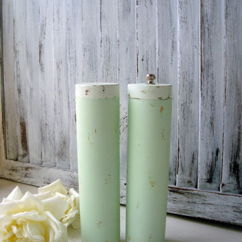 Green Vintage Salt Shaker and Pepper Grinder Set, Pastel Green and Cream Wooden Pepper Mill and Salt Shaker, Creamsicle Collection