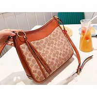 Coach hot seller of women's shoulder bag with fashionable printing and color shopping bag