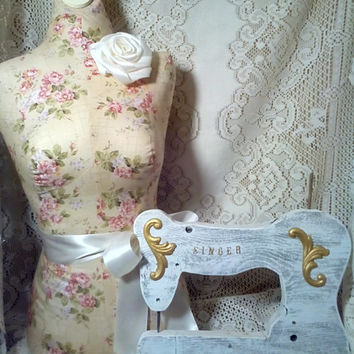Shabby white sewing machine quilt holder Rustic wall decor vintage Singer sewing machine style in reclaimed barn wood