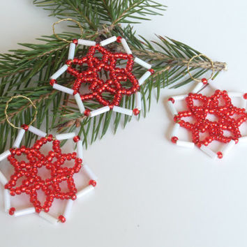 Three piece set of seed bead stars in red / whiteor brown / white, gift tags, tree ornaments, christmas decoration from beads and wire