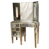 1STDIBS.COM - David Duncan Antiques - An American Mirrored Dressing Table