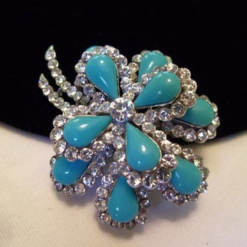 Crown Trifari Brooch Diamante Glass Rhinestone Turquoise Rhodium Silver Plate Flower Pin Vintage