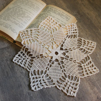 Crochet doily, lace doilies, table decoration, crocheted doilie, center piece, hand made, table runner, napkin, cream