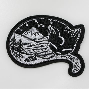 """Sleeping Outdoors Cat"" Patch"