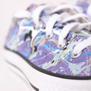 Kids Purple Low Top Splatter Painted Converse Sneakers Kids Size 2, Blue Camouflage Co