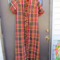 Vintage 50's/60's plaid cotton RUFFLED lounger  LONG  robe  housecoat  ! Dela-Ann Creation Loungewear