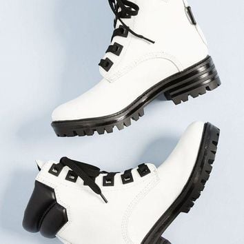 LMFIW1 KENDALL + KYLIE   East Leather Combat Boot - White