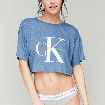 Calvin Klein Cropped Tee Shirt - Urban Outfitters