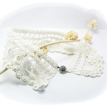Hand Crochet Lace White Collar Necklace, Detachable Collar, Wedding accessory, Pearls ,Peter Pan Collar, Handmade