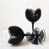 the Audrey Collection - set of 2 - black and white wine glasses