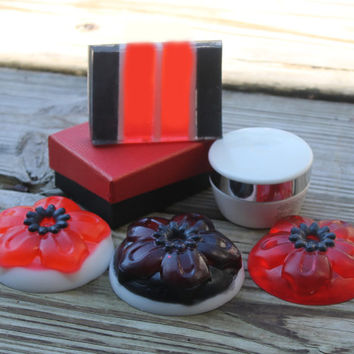 Mothers day, gift set, spa set, unique gift, gift for her, handmade soaps, body butter, glycerin soap, shea butter, red and black, birthday
