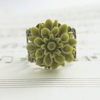 Spring Green Dahlia Flower Ring Vintage by laurenblythedesigns