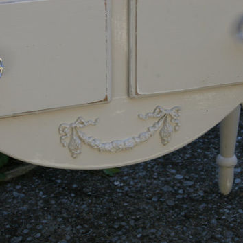 Furnitue Applique /  furniture appliques / swag applique /  DIY projects / shabby chic / chic furniture / distressed furniture