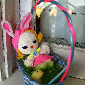 KAWAII Vintage Easter Bunny Basket Made in Japan