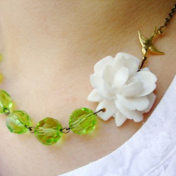 Lime Jardin Free matching earrings by RachelleD on Etsy