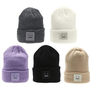 Fashion Cute Smiling Face Patch Knitted Cap Men and Women's Winter Warm Beanies Hat Ski Hat Hip-hop Ball Wool Cuff Casual Caps