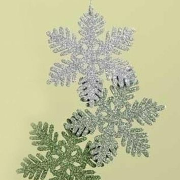 MDIGMS9 7.5' Green and Silver Glittered Snowflake Cluster Christmas Ornament