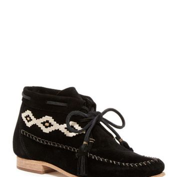 DCCKHB3 Soludos | Embroidered Moccasin Bootie