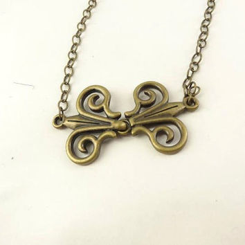 Antique Brass Toned Necklace by toppytoppy on Etsy