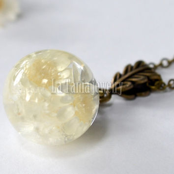 White Flower Globe Necklace – Flower Resin Orb , Real Flower Resin Pendant Botanical Orb, Eco Friendly Jewelry