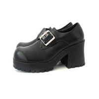 Vintage 90s Goth black platform shoes. women's size 9.5