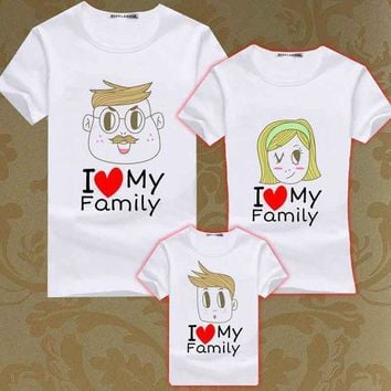 CREYHY3 Summer Family Matching Clothes Boys T Shirt Men Women Family Look T Shirts Kids Love Heart Tee Mother Son Tops Girls T-shirts