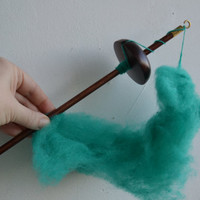 Drop Spindle, Wood Top Whorl Drop Spindle made from Aspen Tree Dark Brown Turquoise Wool, Spinning Tool, Learn How to Spin, Free Shipping