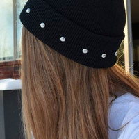 Circle Stud Black Beanie