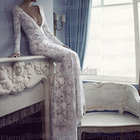Vintage Lace Long Sleeves Mermaid Wedding Dress Sweep Train/Deep V neckline Sexy Long sleeves Lace wedding dress