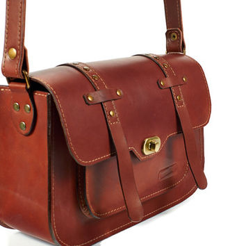 Cognac  leather messenger bag. Brown Leather crossbody bag. Brown leather satchel. Brown leather bag.