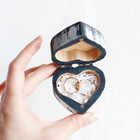 "Rustic style heart shaped wedding ring box ""Classic Wedding Colors"" - Heart, navy blue, white, ring bearer box, wooden box, shabby chic"