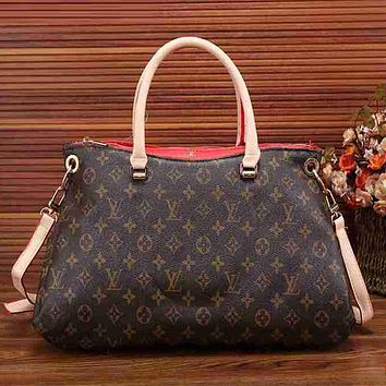 Louis Vuitton Women Fashion Leather Handbag Bag Crossbody Cosmetic Bag